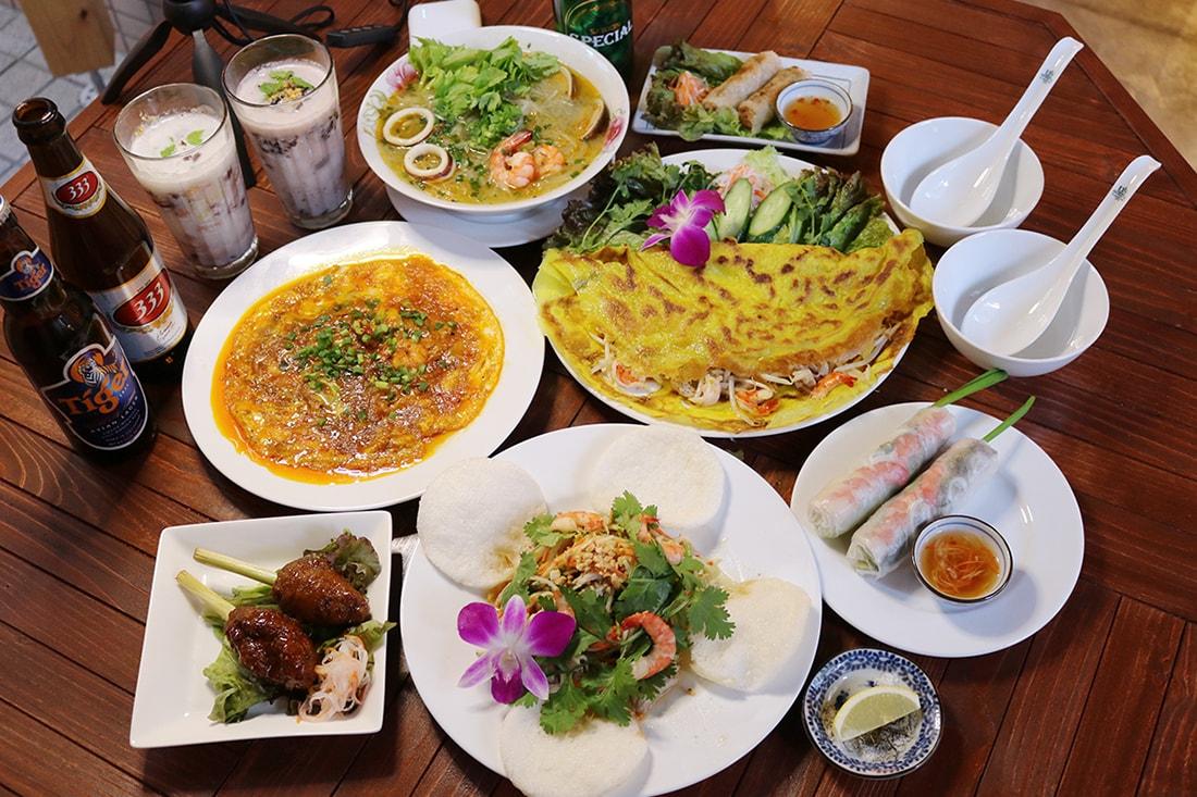 ホーチミンコース/ベトナム風お好み焼きや揚げ春巻き,デザートまで全11品2H飲放付