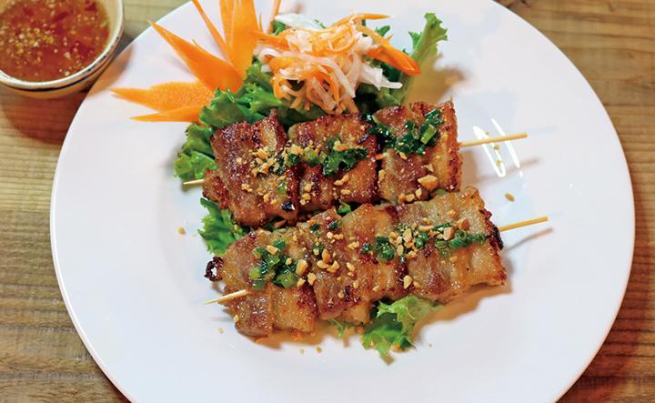 豚バラ肉の串焼き (1本)